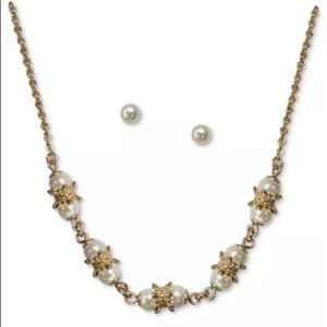 Gold Tone Pearl Collar Necklace & Stud earring set
